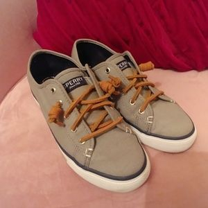 Sperry Cloth Sneakers Sz 7